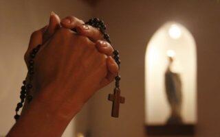 Testimonios de personas que rezan el santo rosario