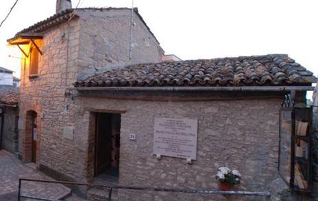 Casa donde nació el padre Pío